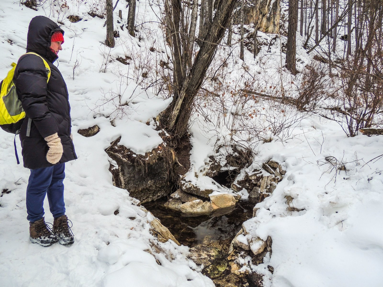 "The guys also checked the state of the spring titled ""Vtoroy Klyuchik"" (""The Second Spring""), cleared by volunteers and local enthusiasts last autumn. © Photo: Natalia Tugutkhonova"
