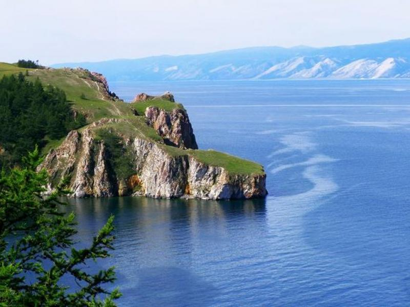 A Story about a Vagabond Who Floated across Baikal in an Omul Barrel